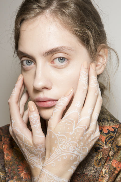 best-nail-looks-from-fashion-week-ss18-phuket-35